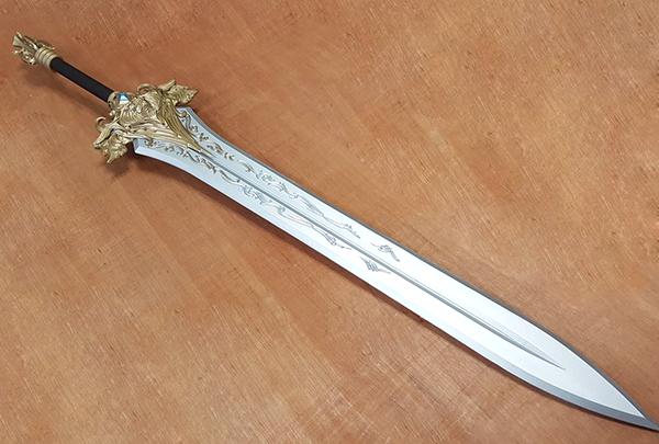 コスプレ 武器 剣 造形物 製作