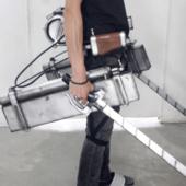 進撃の巨人 立体機動装置 小道具製作